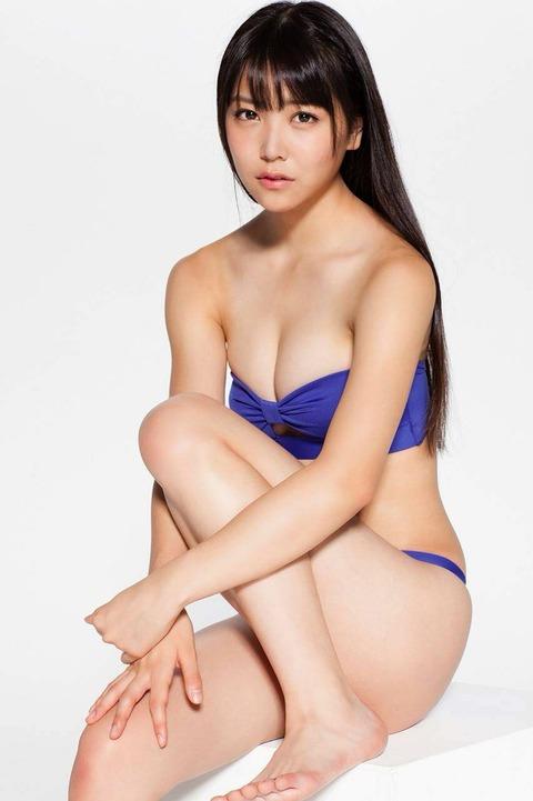 白間美瑠グラビアで活躍中!10代での身体の仕上がりがいいな^^